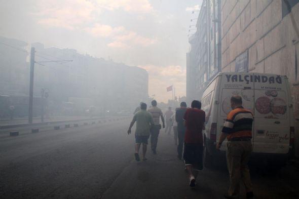 Kadıköy duman altında 1