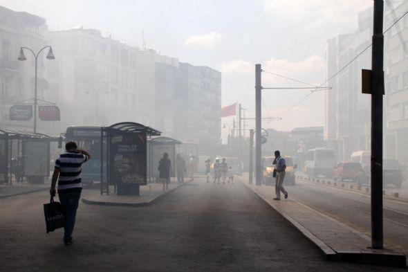 Kadıköy duman altında 2