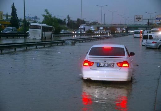 İstanbul Yağmura Teslim Oldu 10