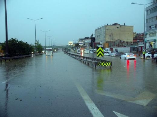 İstanbul Yağmura Teslim Oldu 13