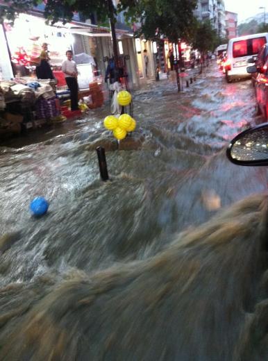 İstanbul Yağmura Teslim Oldu 2