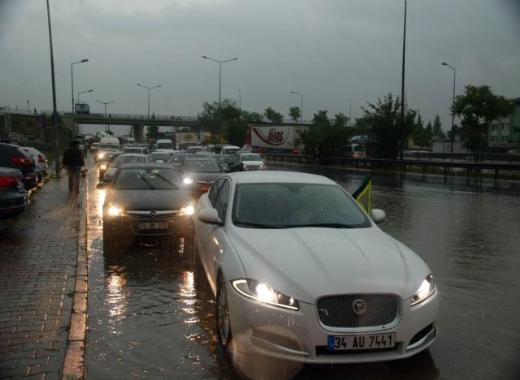 İstanbul Yağmura Teslim Oldu 7