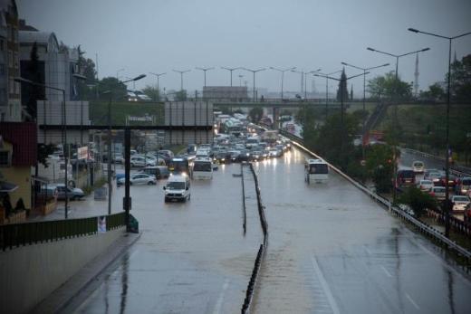 İstanbul Yağmura Teslim Oldu 8