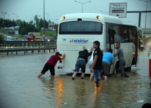 İstanbul Yağmura Teslim Oldu 9