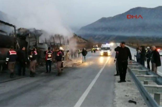 Yolcu otobüsü TIR'a çarptı: 13 ölü, 18 yaralı