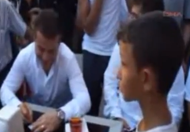 Bakan ile Marmarisli çocuğun güldüren videosu