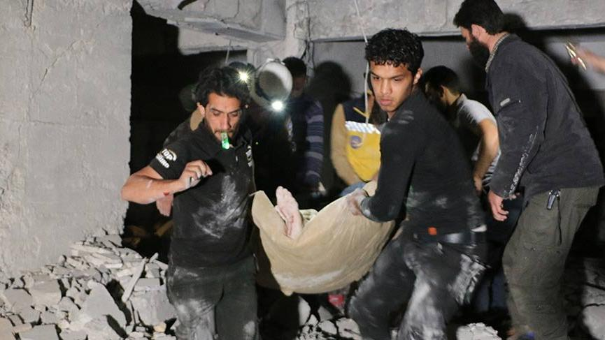 İdlib'de hastane önünde patlama: 12 ölü