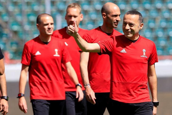 Cüneyt Çakır 2018 Dünya Kupası'nda Fas-İran maçını yönetecek