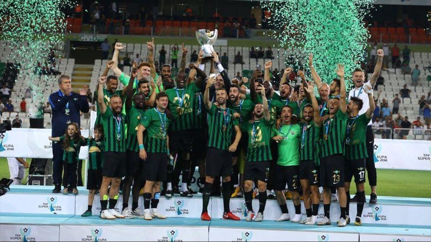 Galatasaray'ı penaltılarla yenen Akhisarspor Süper Kupa şampiyonu