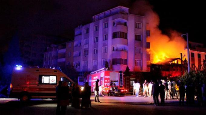 Kocaeli'de yangın faciası: 5 kardeşin 2'si yanarak öldü