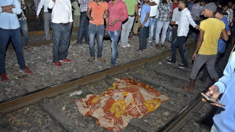 Hindistan'da tren faciası: En az 58 can kaybı