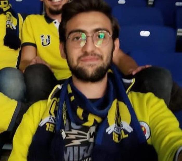 Fenerbahçe taraftarları Koray Şener'in ölümü sonrası tribünü terk etti!
