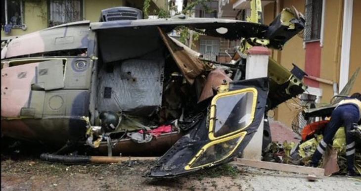 İstanbul'da askeri helikopter düştü: Dört asker şehit