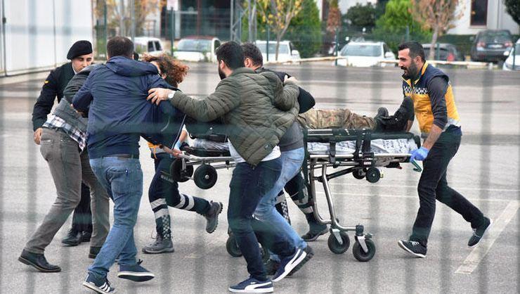 Antalya'da çatışma: 2 asker yaralandı, saldırgan öldürüldü