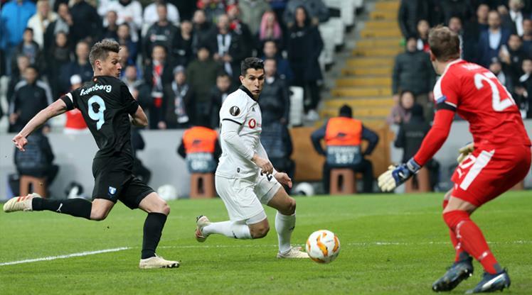 Beşiktaş'ın tur umudu direklere takıldı