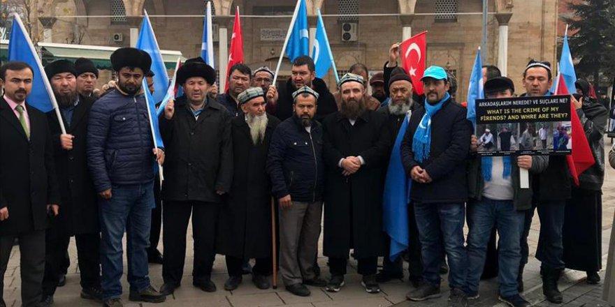 Doğu Türkistan için yürüyen grup Düzce'de