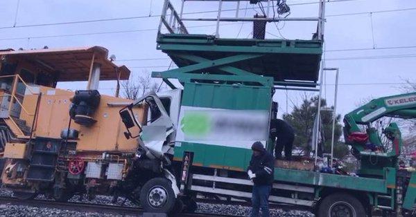 İstanbul'da tren kazası! Yaralılar var