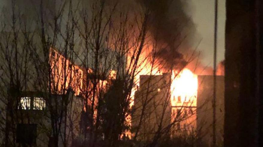 Paris'in göbeğinde 8 katlı binada yangın: En az 7 ölü var