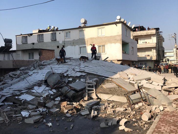 Mersin'de 4 katlı bina çöktü! Ölen ve yaralanan yok