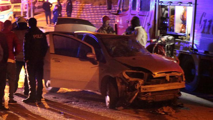 İstanbul Pendik'te feci kazada iki kişi öldü