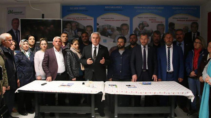 İzmir ve Ankara'da Cumhur'dan istifa Millet'e geçiş!