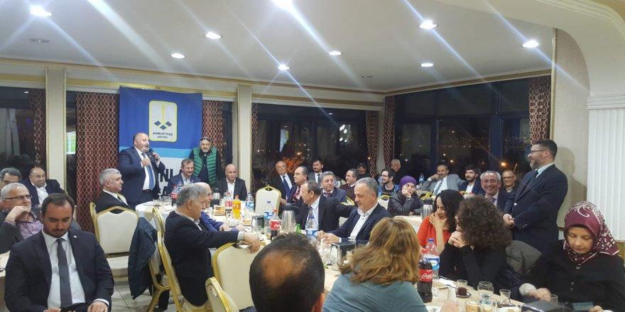 """Kocaeli Aydınlar Ocağı """"Türk'ün iş zihniyeti""""ni tartıştı"""