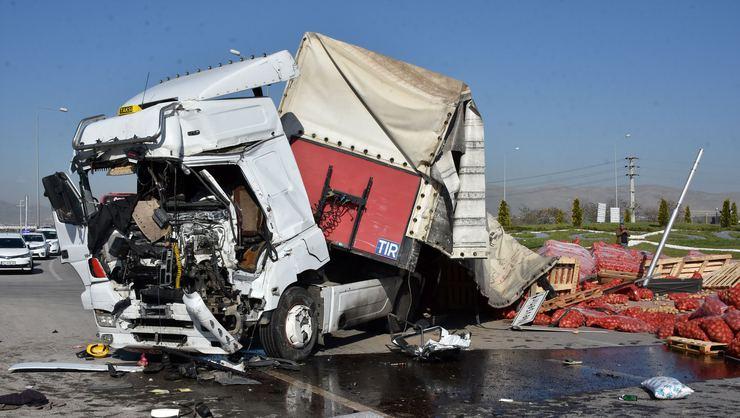 Konya'da kaza! Bir ölü, 24 yaralı