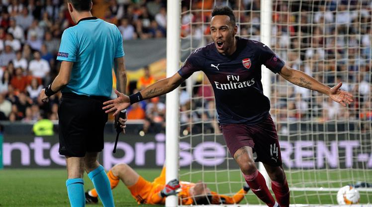 Aubameyang şov yaptı, Arsenal finale uçtu
