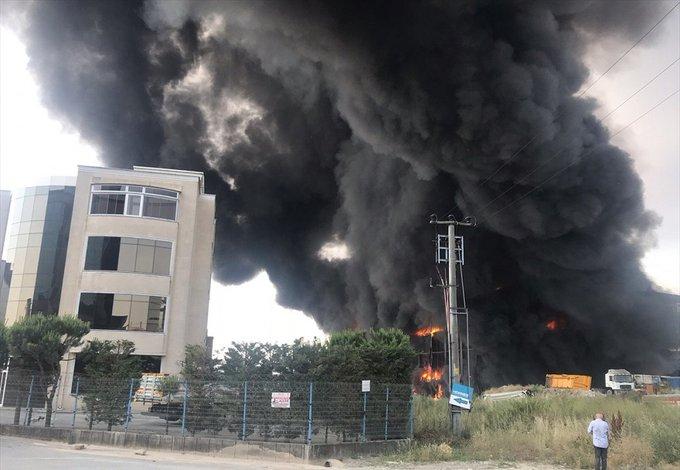 Kocaeli'deki depo yangınında 4 kişi hayatını kaybetti