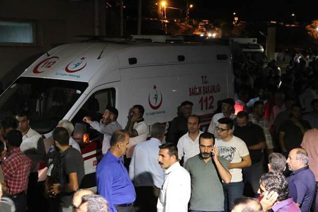 Diyarbakır'da sivil aracın geçişi sırasında patlama!