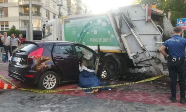İzmir/Konak'da feci kaza: 2 Ölü, 2 yaralı