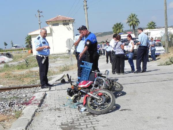 Trenin Çarptığı Motorsikletli Öldü