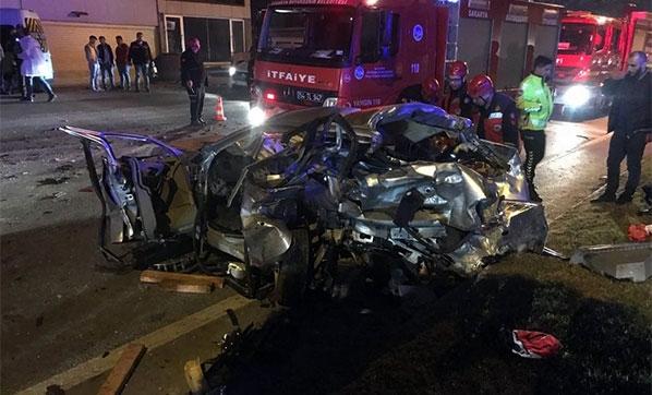 Sakarya'da zincirleme kazada bir aile yok oldu