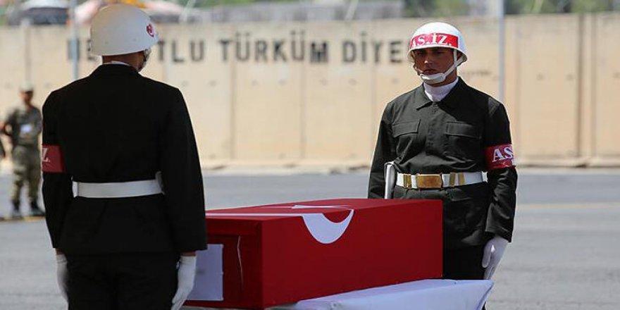 Diyarbakır'da teröristlerle çatışma çıktı: 1 Şehit, 2 yaralı