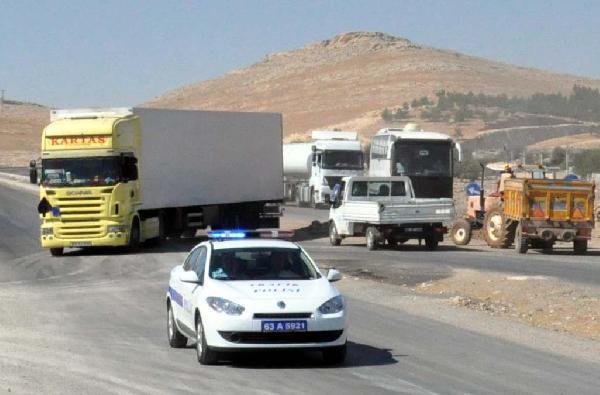 Kaçakların Cenazeleri Tırlarla Suriye Sınırında