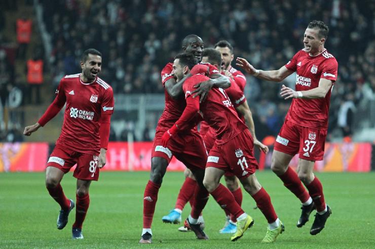 Beşiktaş: 1 - DG Sivasspor: 2