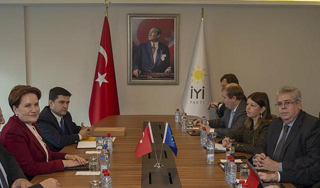 Akşener, AP Türkiye Raportörü Nacho Sanchez Amor ile görüştü