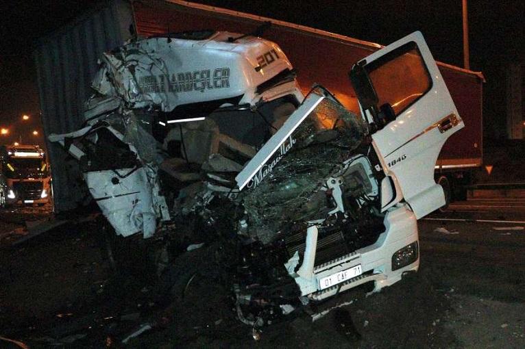 Başkent'te TIR'ların kazası! İki Ölü