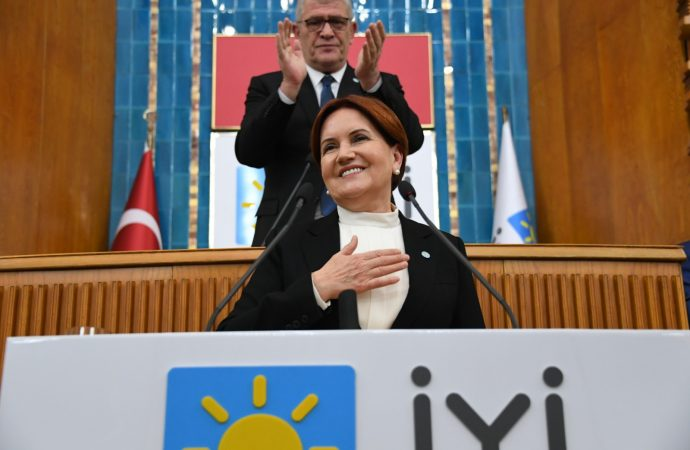 Akşener'den Ayasofya uyarısı: İbadete açılsın ama siyasete kapatılsın