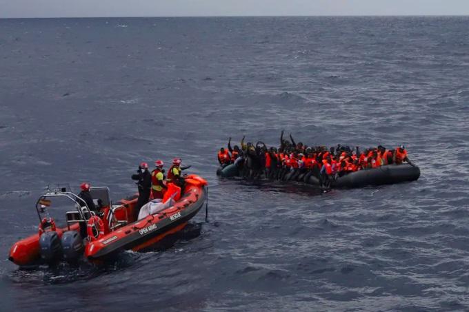 Libya açıklarında facia! En az 74 mülteci can verdi
