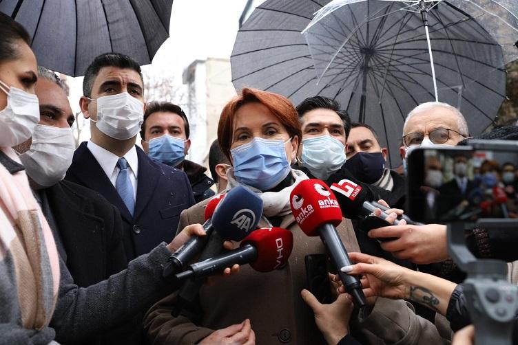 Meral Akşener: Örnek olmak açısından aşı oldum