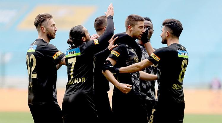 İH Konyaspor: 2 - Göztepe: 3