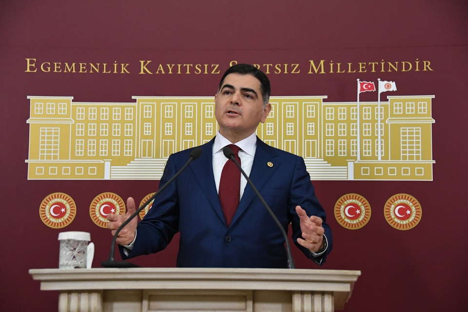 Naci Cinisli: Bugünkü iktidar miadını doldurdu