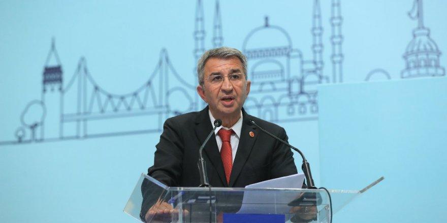 İYİ Partili Suat Sarı uyardı: İstanbul'da toplu taşımada corona riski büyüyor