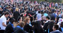 Bin 500 öğrencili mezuniyet halayı