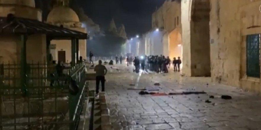 İsrail'in Mescid-i Aksa saldırısına siyasilerden tepki yağdı