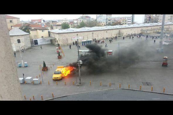 Cezaya kızdı, taksiyi yaktı!