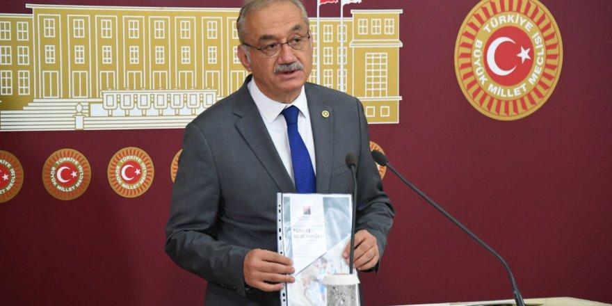 AK Parti döneminde 8 Milli Eğitim Bakanı, 10'un üzerinde sistem değişikliği oldu