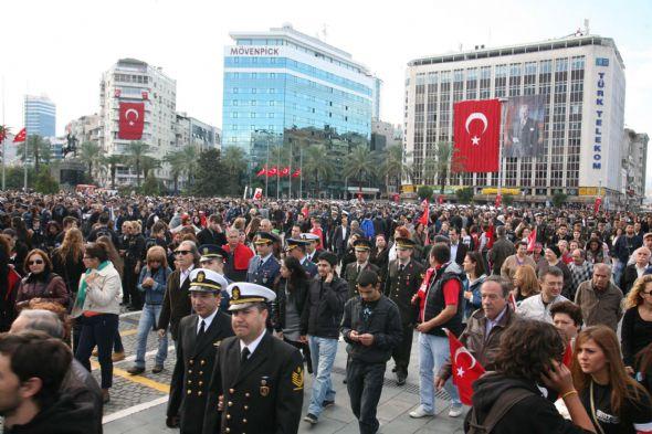 Atatürkü özlemle andık