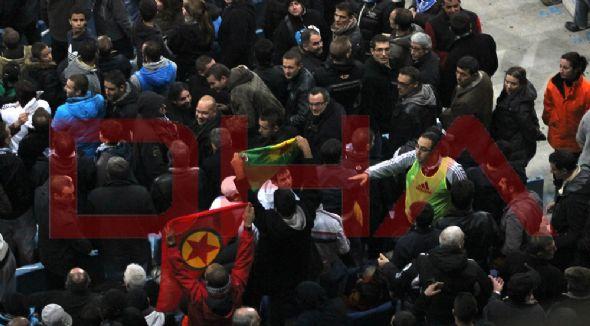 PKK bayrağı açılınca ortalık karıştı!